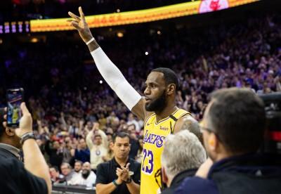詹姆斯總得分成史上第三 NBA戰績