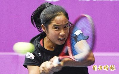 澳網》楊亞依青少女單日2連勝    安抵單打32強、雙打16強