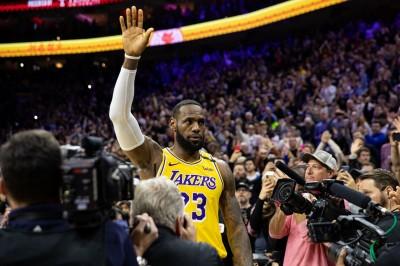 NBA》詹皇生涯總得分超越Kobe成史上第三  紀錄夜卻留憾