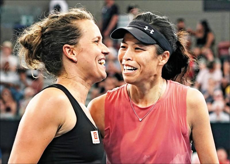 澳網》「薇」力無法擋 女雙闖8強