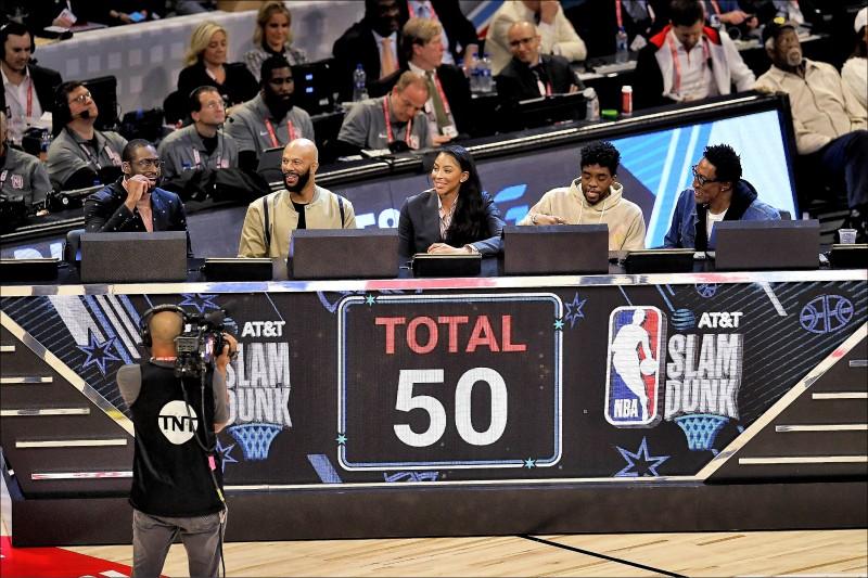 NBA》灌籃大賽評審不公?魏德遭影射護短