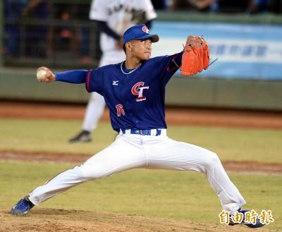 MLB》上月才照過MRI 「火球男」劉致榮帶著健康手臂赴紅襪春訓營