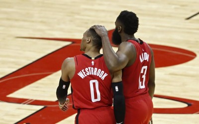 NBA》追平「浪花兄弟」當年神紀錄 火箭MVP雙星攜手退灰熊