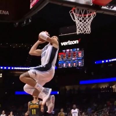NBA》「最強亞軍」比賽中360度猛扣 賽後自嘲:9分(影音)