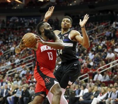 NBA》被字母哥酸太黏球 哈登回嗆:賣高灌籃技巧何在?