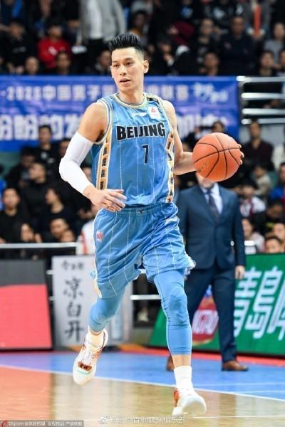 籃球》好險林書豪及時返中國? CBA傳出新條款可不支薪