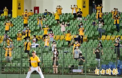 中職》只有1千人卻比MLB更熱血  美職作家:航班恢復就衝台灣!