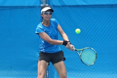 網球》國際賽停擺 謝淑薇胞妹謝語倢自製教球招生海報