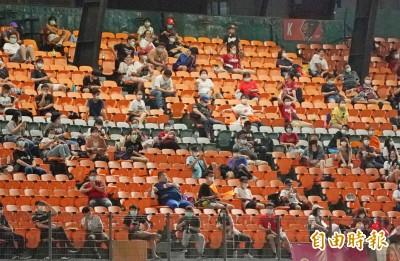 中職》台南觀眾1329人 開放進場以來最高