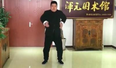 武術》自稱老外眼中李小龍!中國太極大師虎父無犬子