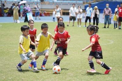足球》北市幼兒錦標賽抗疫開踢    126隊上千名小將大秀腳法