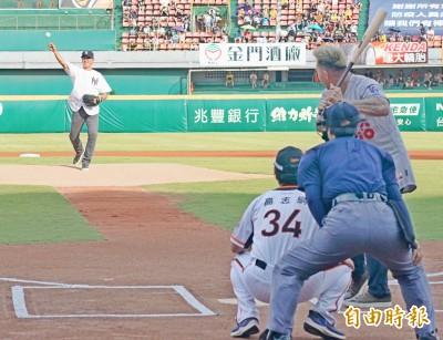 中職》「因為是王建民,我才判好球的啦!」台灣首位棒球女主審吐實話