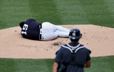 MLB》驚!田中將大遭怪力男強襲球打中頭部 當場倒地不起