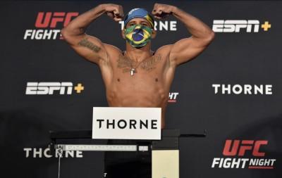 格鬥》次中量級冠軍挑戰者染疫  UFC急找替代人選