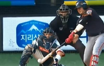 韓職》這是什麼球種?韓國左投「中指1球」引美網友熱議(影音)