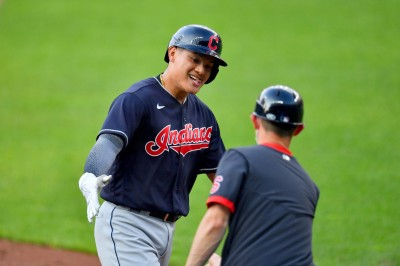 MLB》跟他握手會燙傷! 張育成單周第五轟出爐(影音)