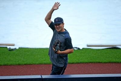MLB》爆頭一週後傳接球ok 田中將大被媒體披露俏皮一面