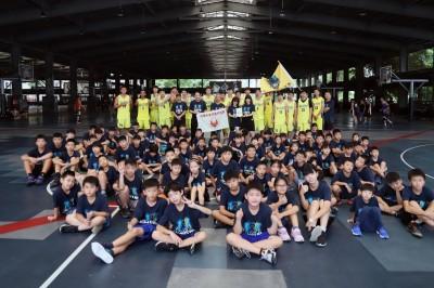 籃球》高雄九太暑期籃球營開張 「快速球風」獨家傳授小球迷