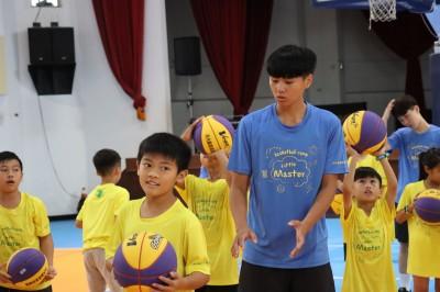 籃球》台師大總教練梁嘉音領軍 前進花蓮舉辦訓練營