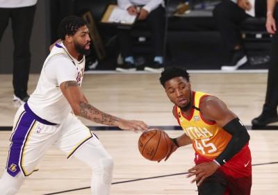NBA》野獸般的AD狂轟42分 湖人鎖定西部頭號種子