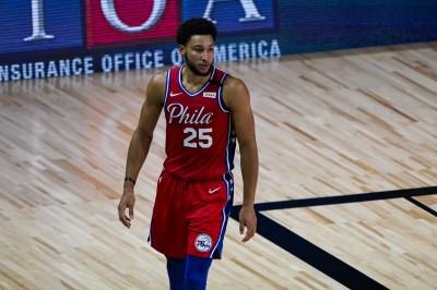 NBA》七六人哭慘! 西蒙斯膝蓋半脫位、暫無復出時間表