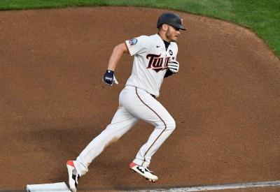 MLB》雙城壞消息!明星三壘手小腿拉傷進傷兵名單