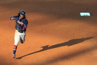 MLB》阿庫尼亞無雙模式開啟 勇士雙重賽擊潰費城人(影音)