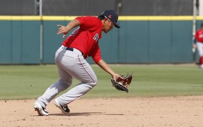 MLB》林子偉替補上場代跑 在二壘防區策動雙殺美技