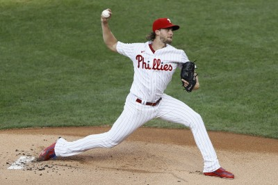 MLB》隊友5轟相挺 費城人諾拉獲近一年首勝投