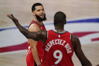 NBA》輸球還起內鬨? 暴龍中鋒不滿羅利場上直接開嗆(影音)