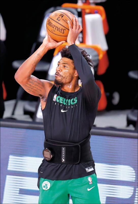 NBA》休息室大聲咆哮、摔東西 綠衫軍情緒崩潰鬧內訌