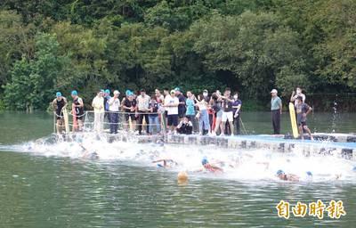 鐵人三項》今年全球最大!宜蘭梅花湖錦標賽2000人參賽