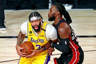 NBA》總冠軍賽首秀繳鬼神表現 一眉哥榮幸與傳奇齊名