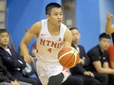 籃球》生涯首披台灣白戰袍 獲帕克指導陳又瑋再升級