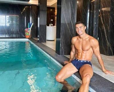足球》高富帥的奢華隔離 C羅搭專機赴義、獨享室內泳池
