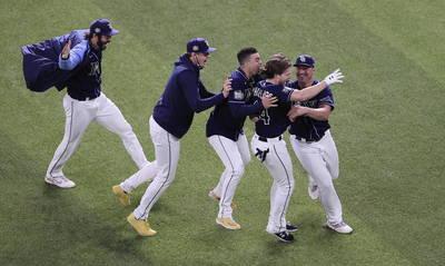 MLB》道奇9下再見失誤!光芒戲劇性逆轉扳平系列賽(影音)
