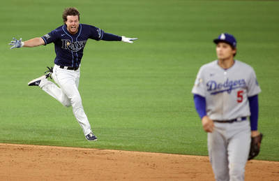 MLB》興奮過頭差點暈厥 光芒勝利英雄賽後急吊點滴