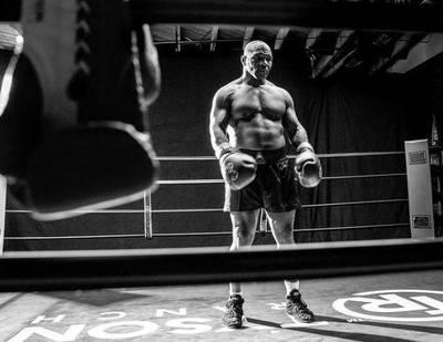 拳擊》減重多達45公斤!最可怕的拳王泰森回來了