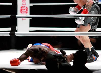 拳擊》遭網紅KO被笑翻 炫富拳王力挺前NBA灌籃王