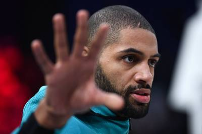 NBA》鋒線主力相繼出走 快艇發動補強正式簽下巴通