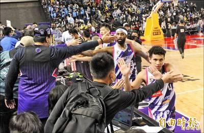 籃球》籃協有送防疫計畫 轟PLG製造對立