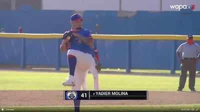 MLB》好開心! 明星捕手莫里納冬盟登板投球送出三振