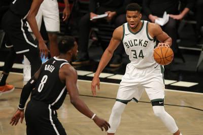 NBA》籃網雙星對戰公鹿飆破30分  字母哥:不防守就會得50分