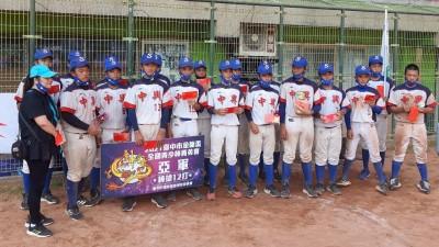 青少棒》中興國中睽違10年再奪金龍盃亞軍  「回想會知道是場光榮戰役」