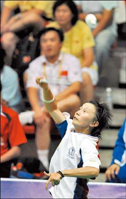 台灣羽球小將鄭韶婕昨天在女單4強戰中,輕鬆拍落中國好手,今天將挑戰世大運女單金牌。(中央社)