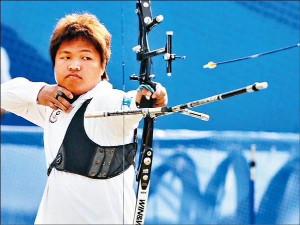 宋佳駿昨在亞運男子個人對抗賽擊敗中國選手邢宇,摘下本屆台灣射箭代表隊的第一面獎牌。(特派記者王藝菘攝)