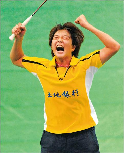 「小小白」白馭珀手刃姊妹淘江佩欣,當獲勝拿下金牌的同時,她興奮得振臂大吼,為自己喝采。(記者張忠義攝)