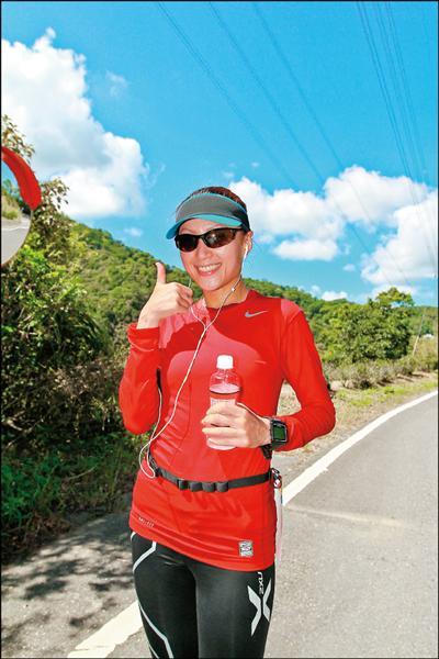 跑步改變了邱念慈的人生,戒掉菸跟酒,開始路跑新人生。(圖/邱念慈提供)