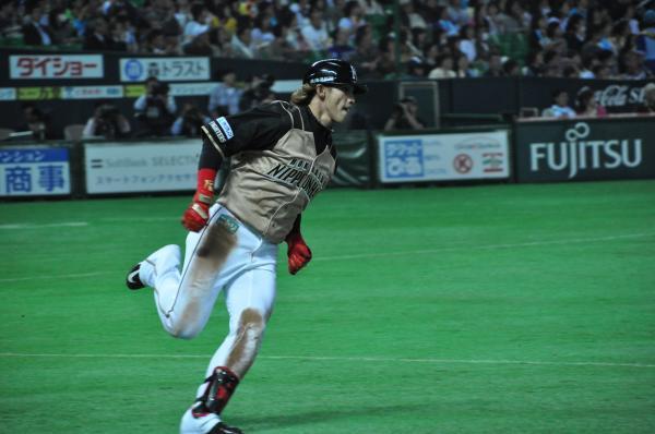 日本職棒繼去年偷換比賽球事件後,本季再度發生同樣情況,高齡72歲的日本野球機構會長熊崎勝彥今日召開記者會道歉。(資料照)