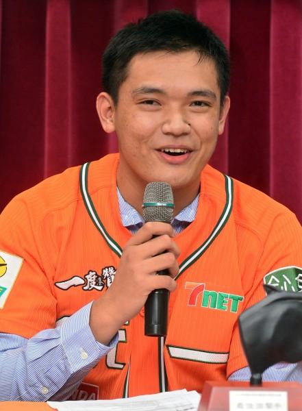 陳韻文捨棄大聯盟開出的120萬美元簽約金,堅持留在台灣打中華職棒。(記者王藝菘攝)